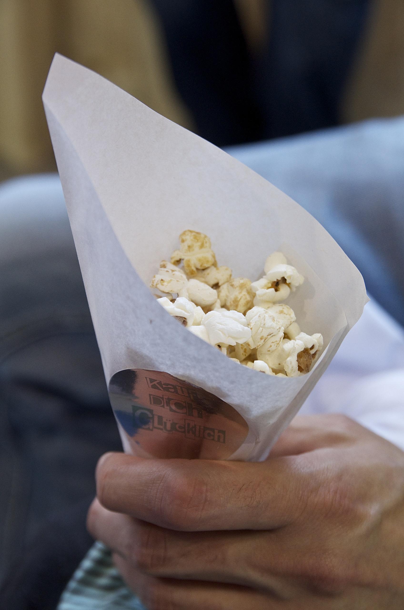 Popcorn, Papiertüte