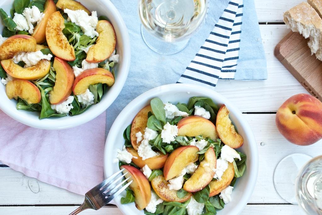 Feldsalat mit gebratenem Pfirsich und Mozzarella | Pinkepank (5)