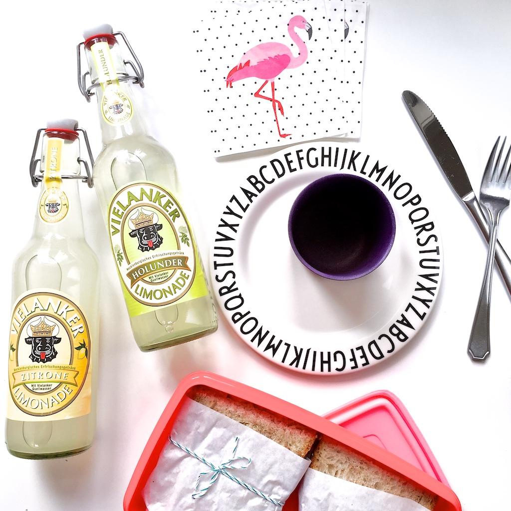 Picknick mit Mini Quiches und Avocado Sandwich |Pinkepank