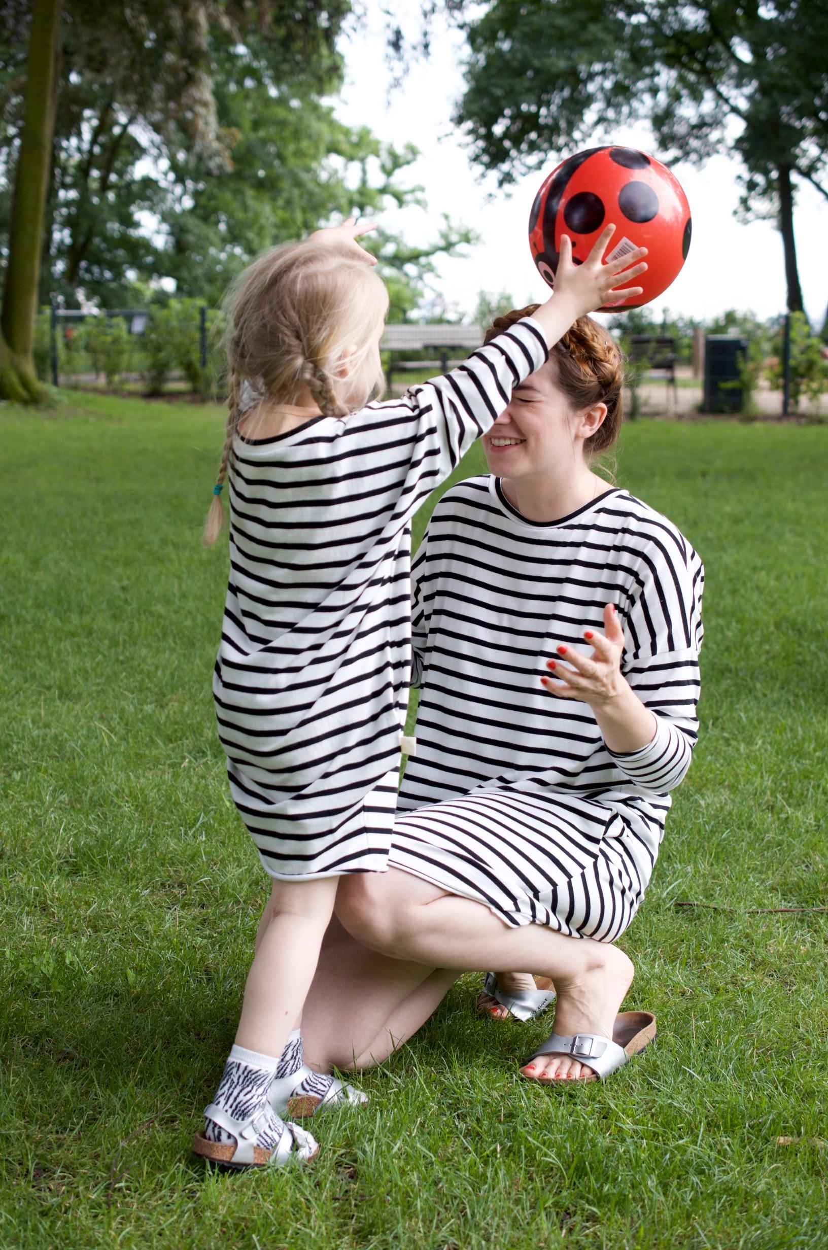 Mama Mini Look in Streifenkleidern von Laune