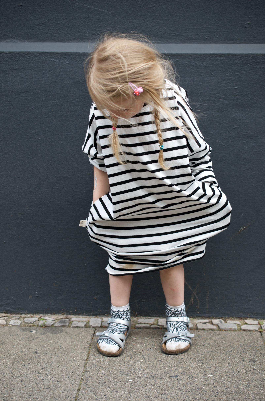 Mama Mini Look in Streifenkleidern von Laune - ein gemütliches Kleid mit Taschen für jeden Tag und Anlass