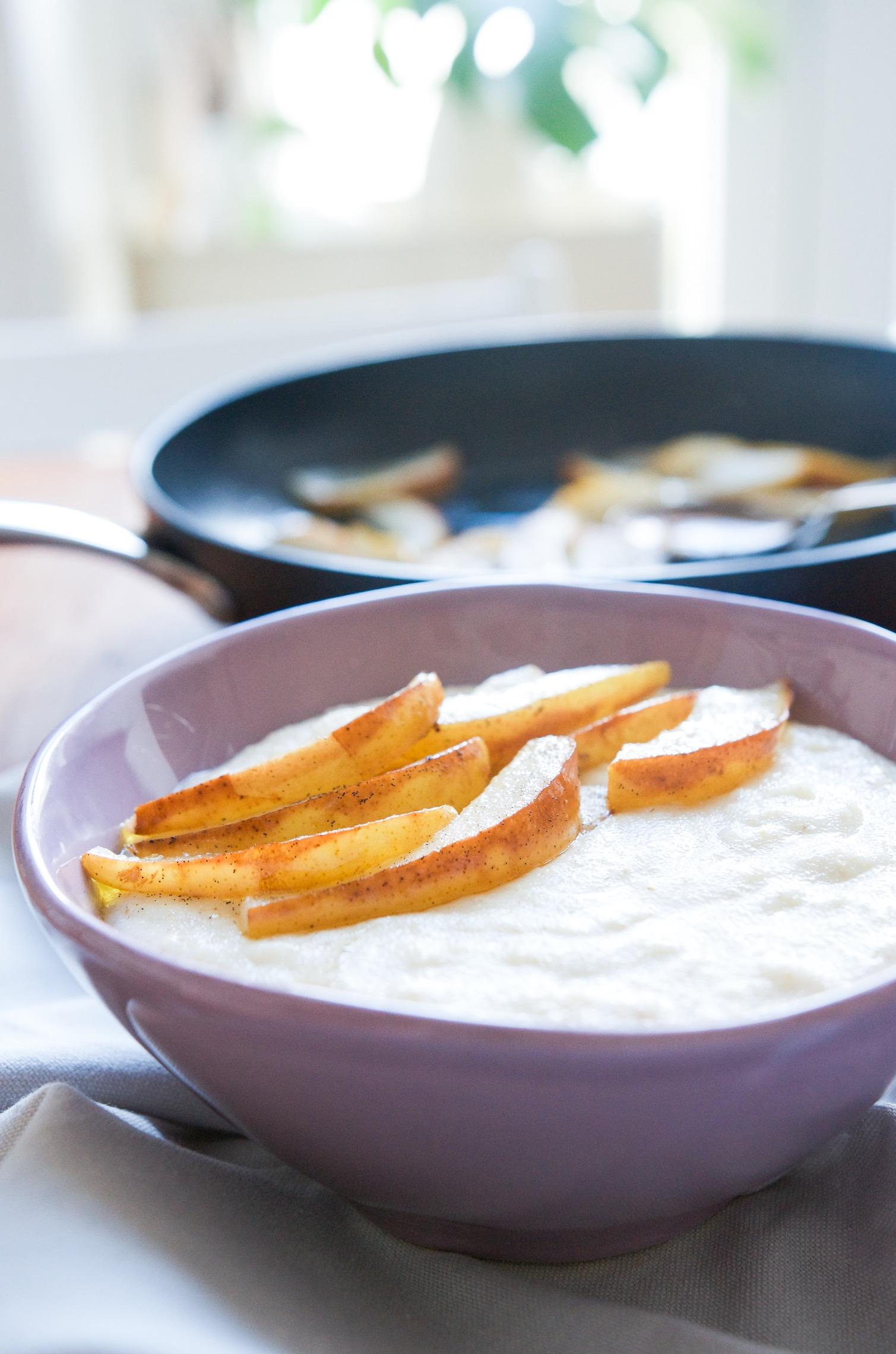 Dinkel Grießbrei mit Vanillebirnen - Frühstück mit Kindern