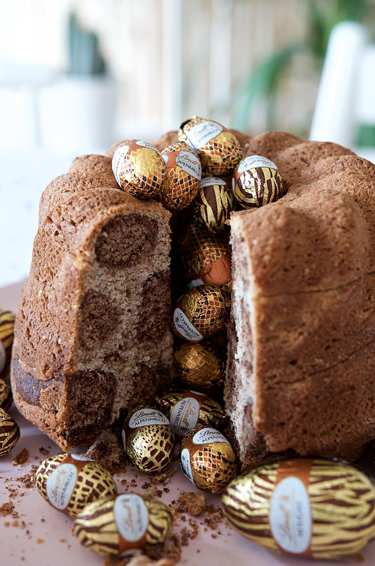 Leoparden Brioche für den Osterbrunch mit Schokoladen Eiern im Animal Print von Lindt