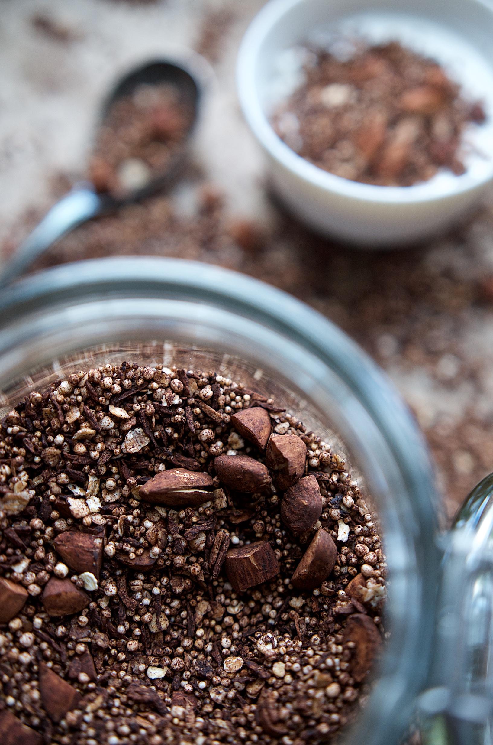 Rezept für selbstgemachtes, zuckerfreies Schoko Crunch