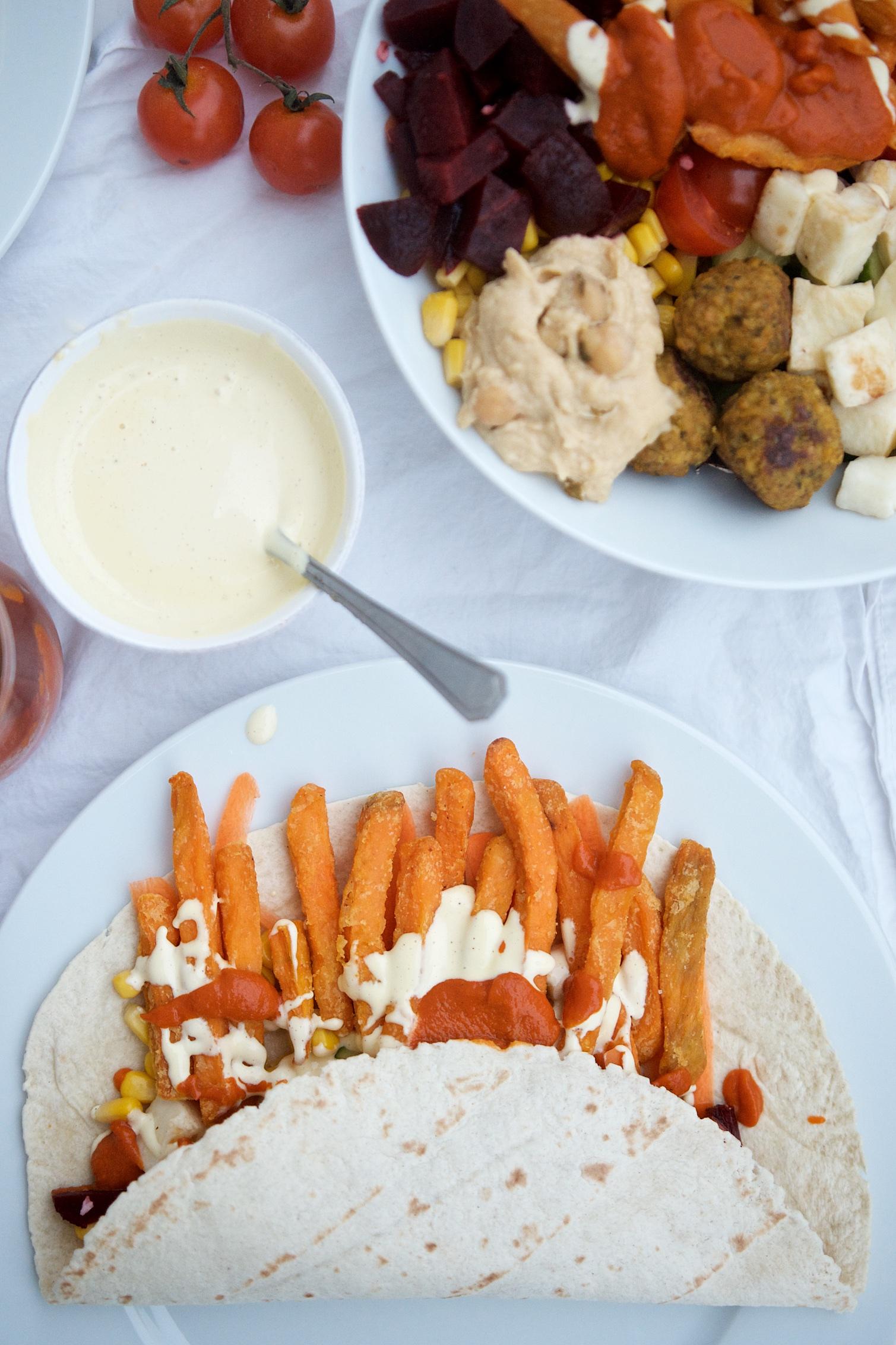 Süßkartoffelpommes-Wrap mit Gemüse und selbstgemachter Mayonnaise | Pinkepank (1)