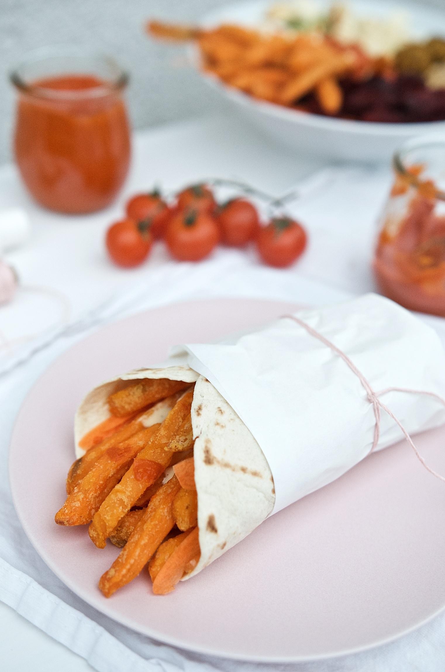 Süßkartoffelpommes-Wrap mit Gemüse und selbstgemachter Mayonnaise | Pinkepank