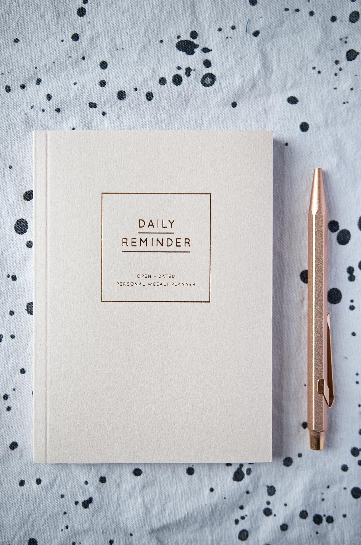 Daily Reminder Navucko mit Kupfer Kugelschreiber Caran d'ache