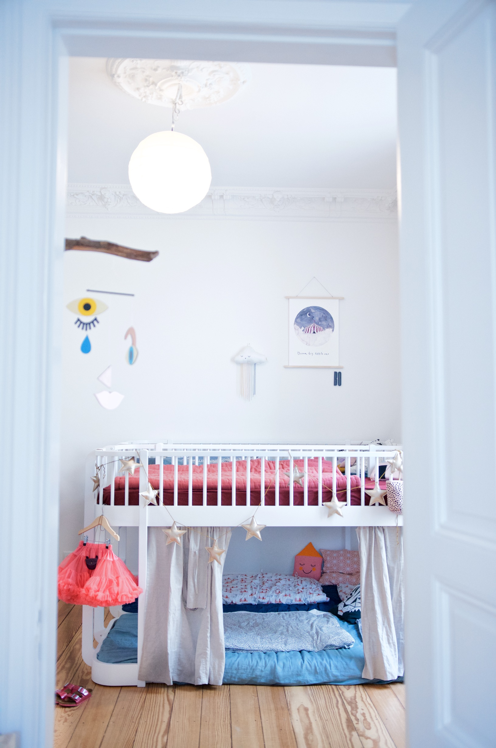 Hochbett von Oliver Furniture im Kinderzimmer