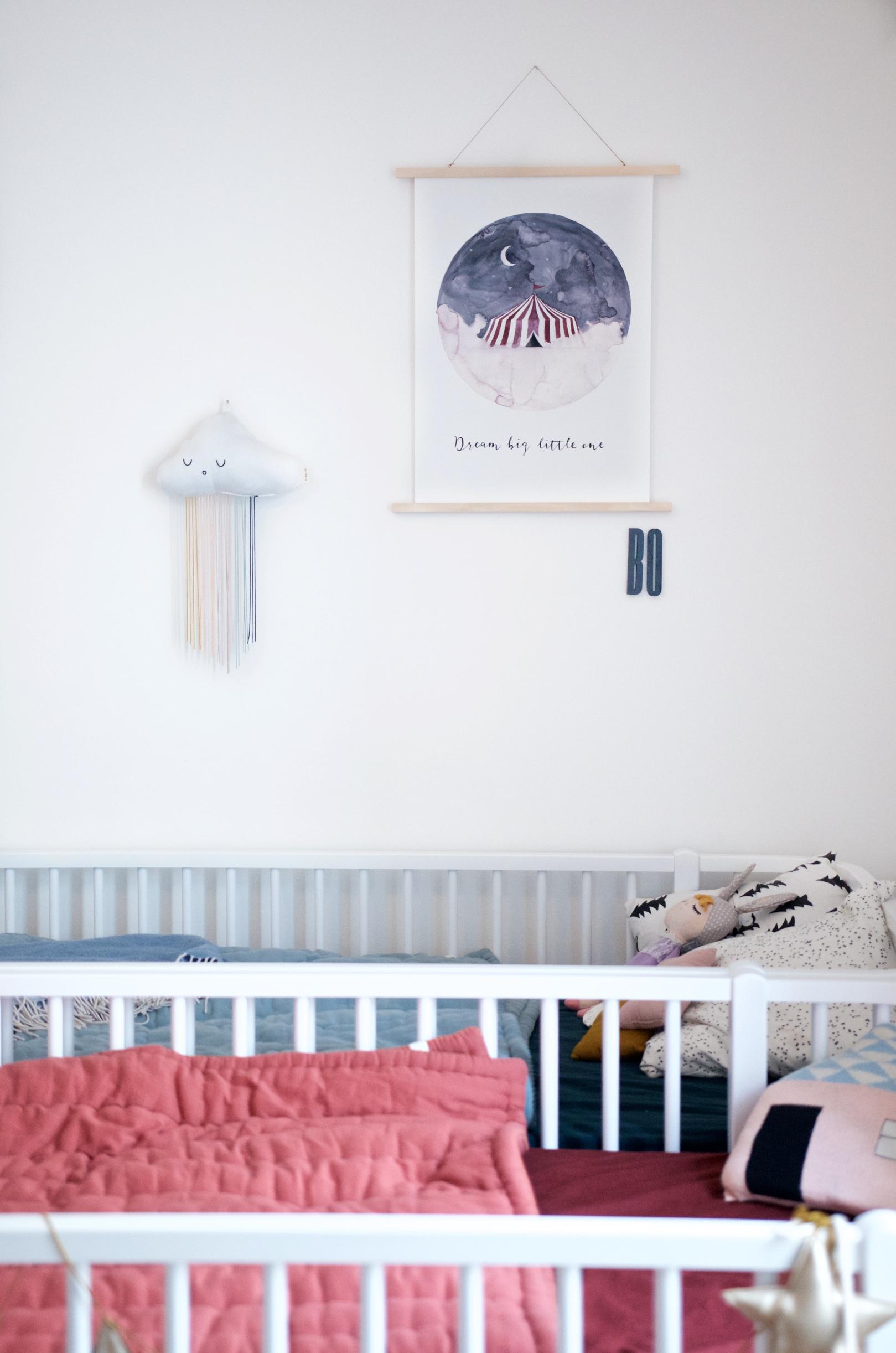 Hochbetten von Oliver Furniture und Wanddeko von Fabelab, Design Letters und Leo La Douce