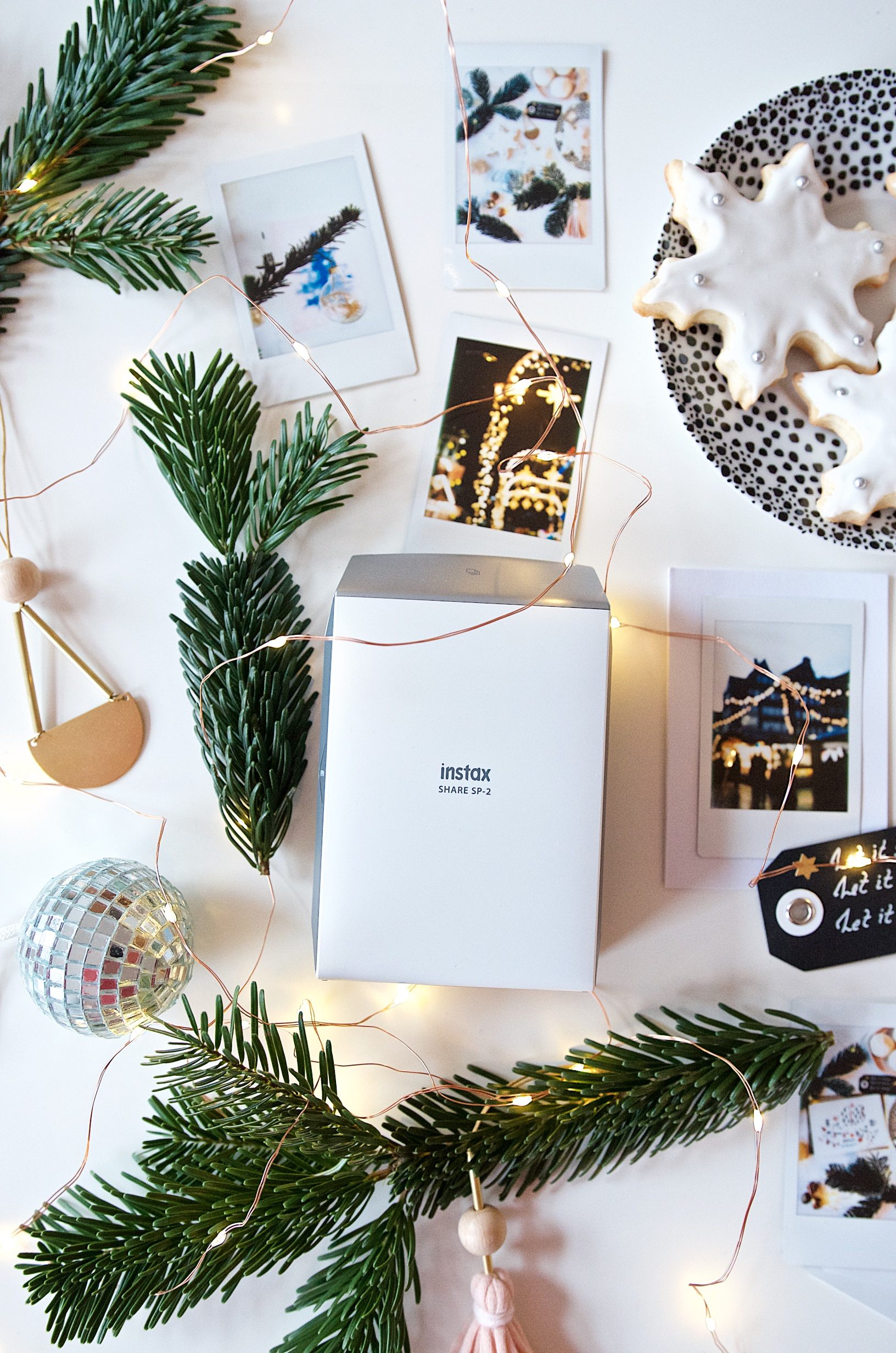 schnell sch n individuell diy weihnachtskarten mit instax foto drucker. Black Bedroom Furniture Sets. Home Design Ideas