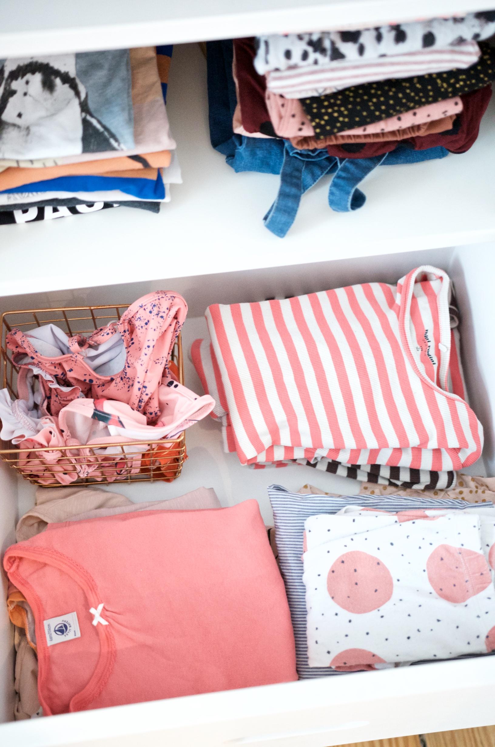 Ein Blick in unseren Kleiderschrank - wir lieben Strick, zum Beispiel von Misha & Puff