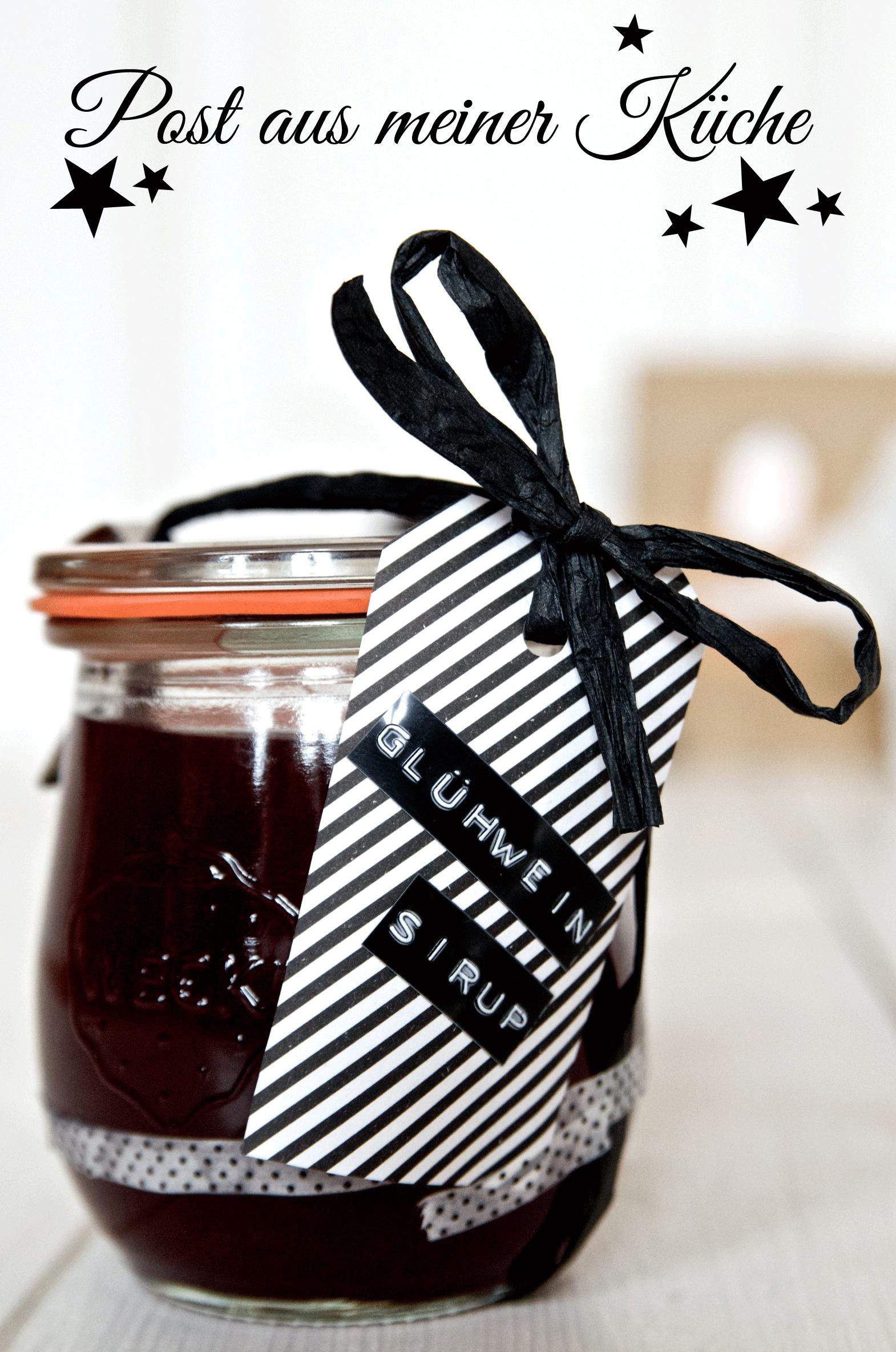 Rezept für DIY Glühweinsirup - tolles Geschenk zu Weihnachten oder ein Mitbringsel zur Weihnachtsfeier, zum Wichteln oder Kekse backen