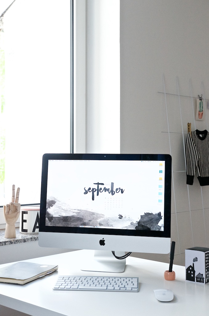 Computerkleider im September   Free Desktop Wallpaper Collection   Pinkepank