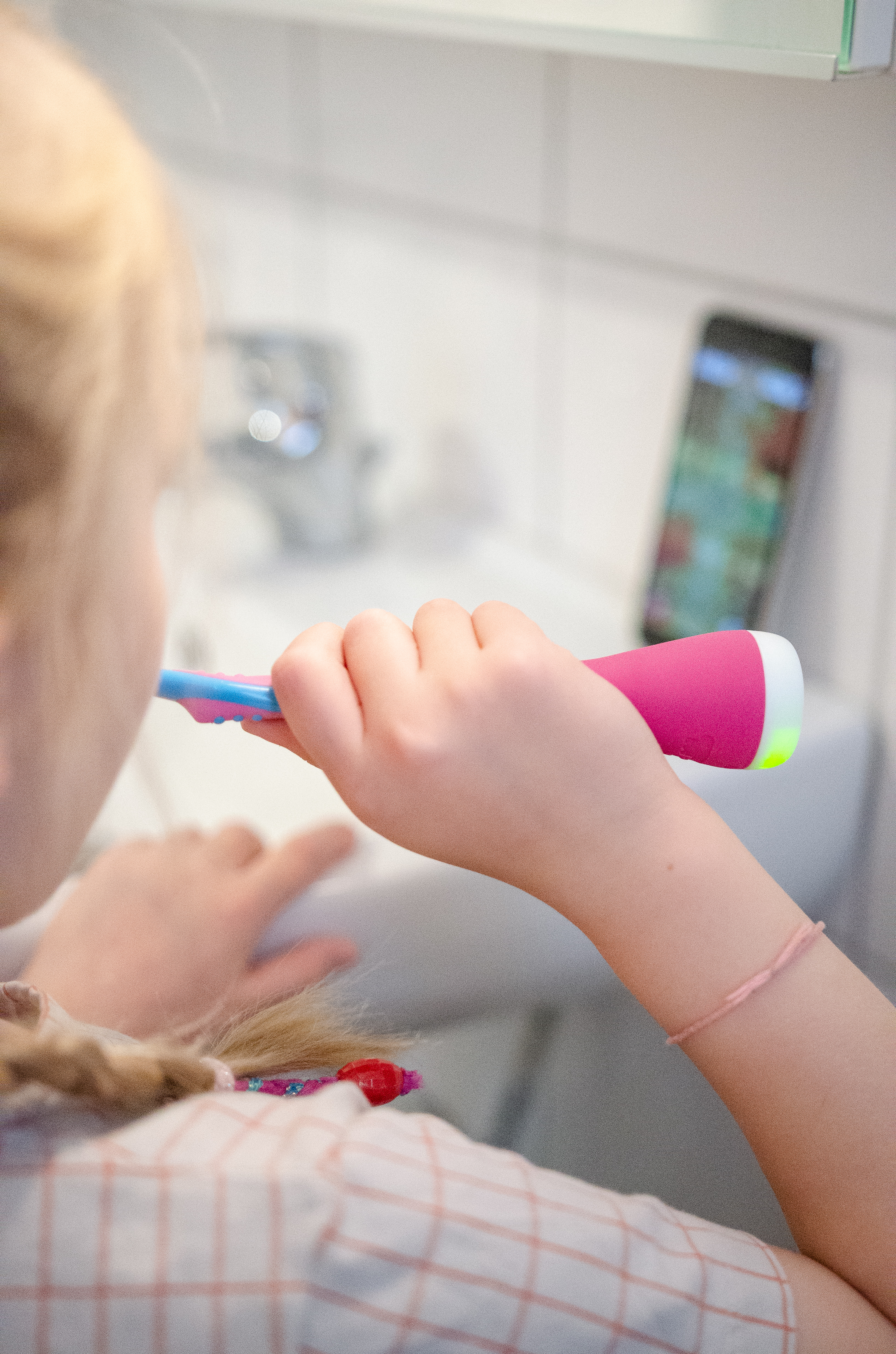 Zähne putzen mit Kindern - easy peasy mit Playbrush
