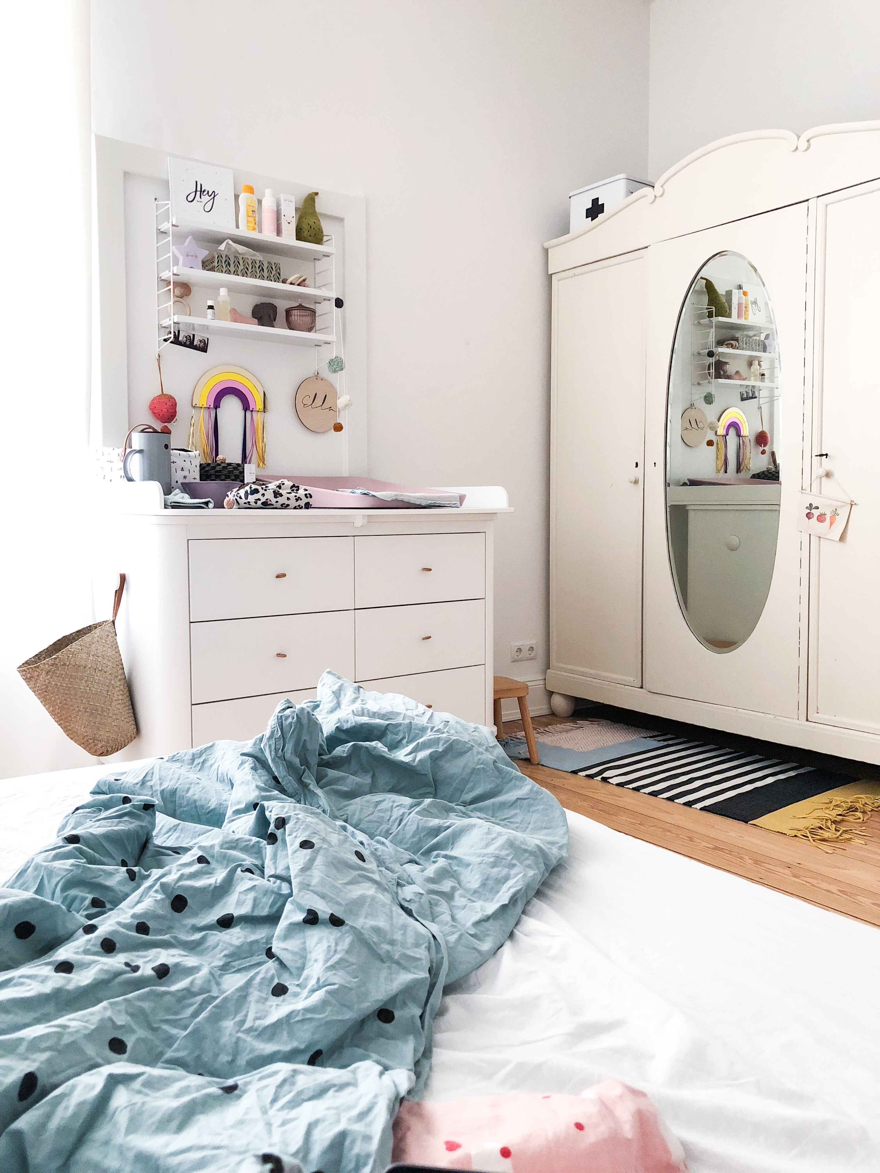 Schlafzimmer mit Wickelkommode