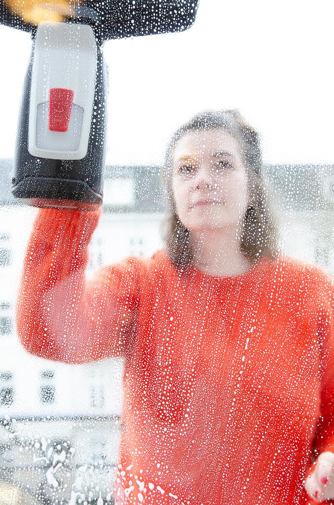 Chaosupdate: Schlauer Helfer im Mama-Alltag: Endlich saubere Fenster und Durchblick mit dem GlassVac von Bosch