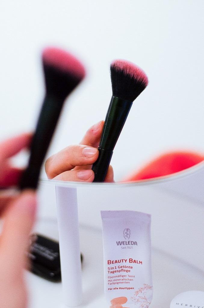 Mein 5-Minuten-Mama-Make-Up und Community Tipp - Die besten Naturkosmetik Foundations