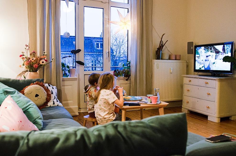 Die Sache mit dem Fernsehen und schlaue Serien-Tipps für Kinder