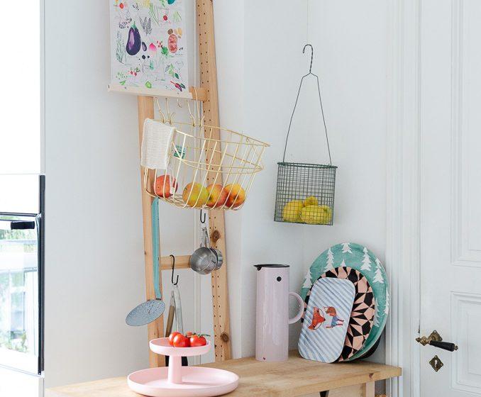 Improvisierte Küchenecke mit Ivar Seitenteil von Ikea