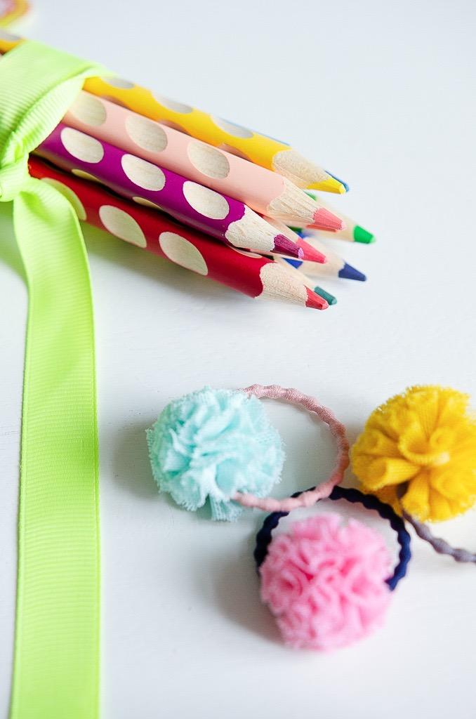 Haargummis und Buntstifte: was kommt in die Schultüte? Ideen zur Einschulung