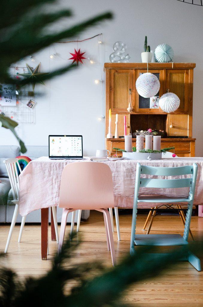 Visu Stuhl in rosa - ein echter Sichtfeldschmeichler.